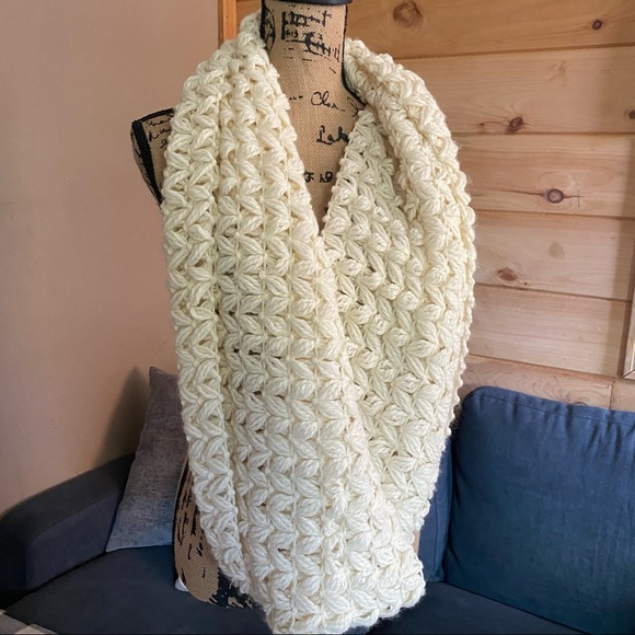 American Eagle Knit Infinity Scarf